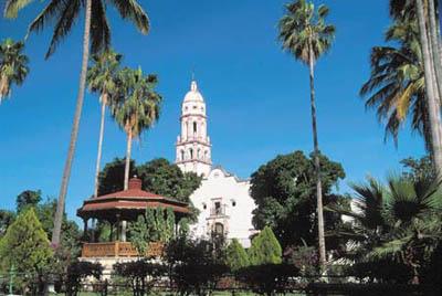 Kiosco e Iglesia de Cosala